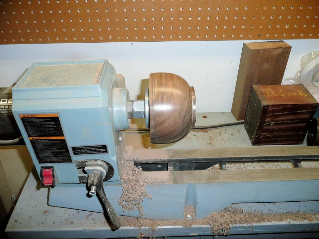 Walnut bowl 005